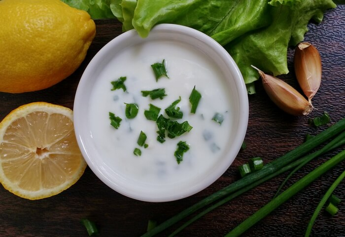 Чесночный соус из йогурта