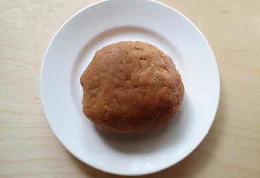 Паста из печенья для основы творожного торта с ананасами