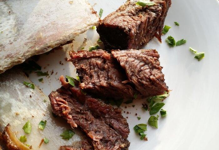 Нежнейшие говяжьи ребра, приготовленные в духовке