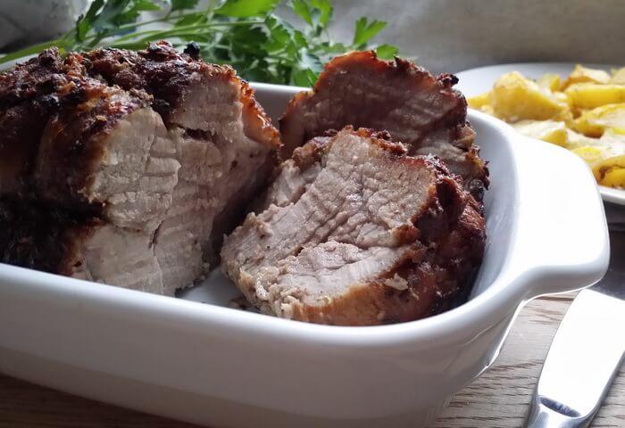Свиная лопатка с горчицей в духовке