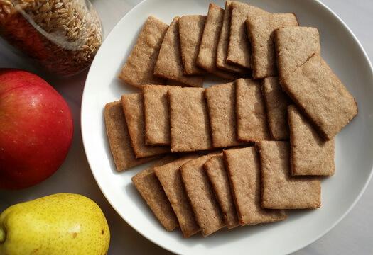 Печенье из полбяной муки с корицей