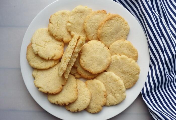 Печенье из манки и кефира без яиц