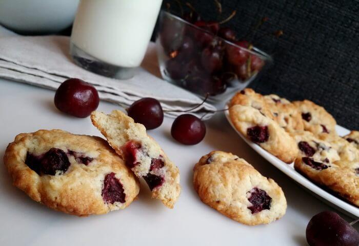 Печенье с черешней