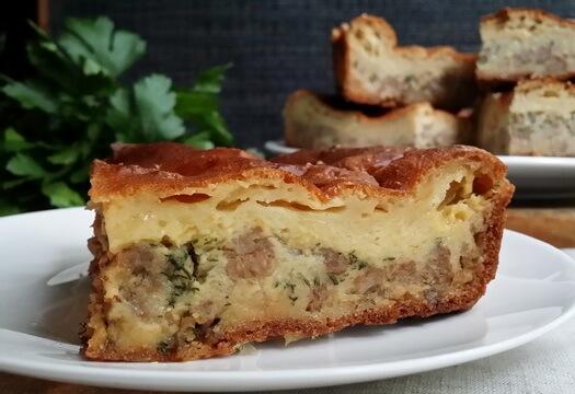 Заливной пирог из кабачков с фаршем и сыром